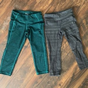 Work out Capri pants bundle size small
